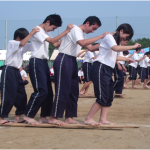阿字ヶ浦中学校 ムカデルト  ムカデ競走タイミングを合わせて